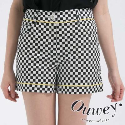 OUWEY歐薇-黑白幾合方塊激瘦短褲