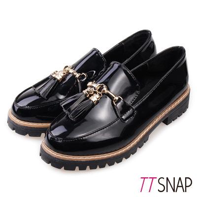 TTSNAP牛津鞋-韓版漆皮流蘇紳士樂福鞋-黑