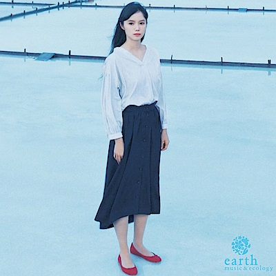 earth music  SET ITEM V領蓬袖襯衫+前排釦A字裙