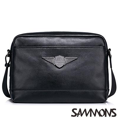 SAMMONS-真皮雷德造型徽章斜背包-百搭黑