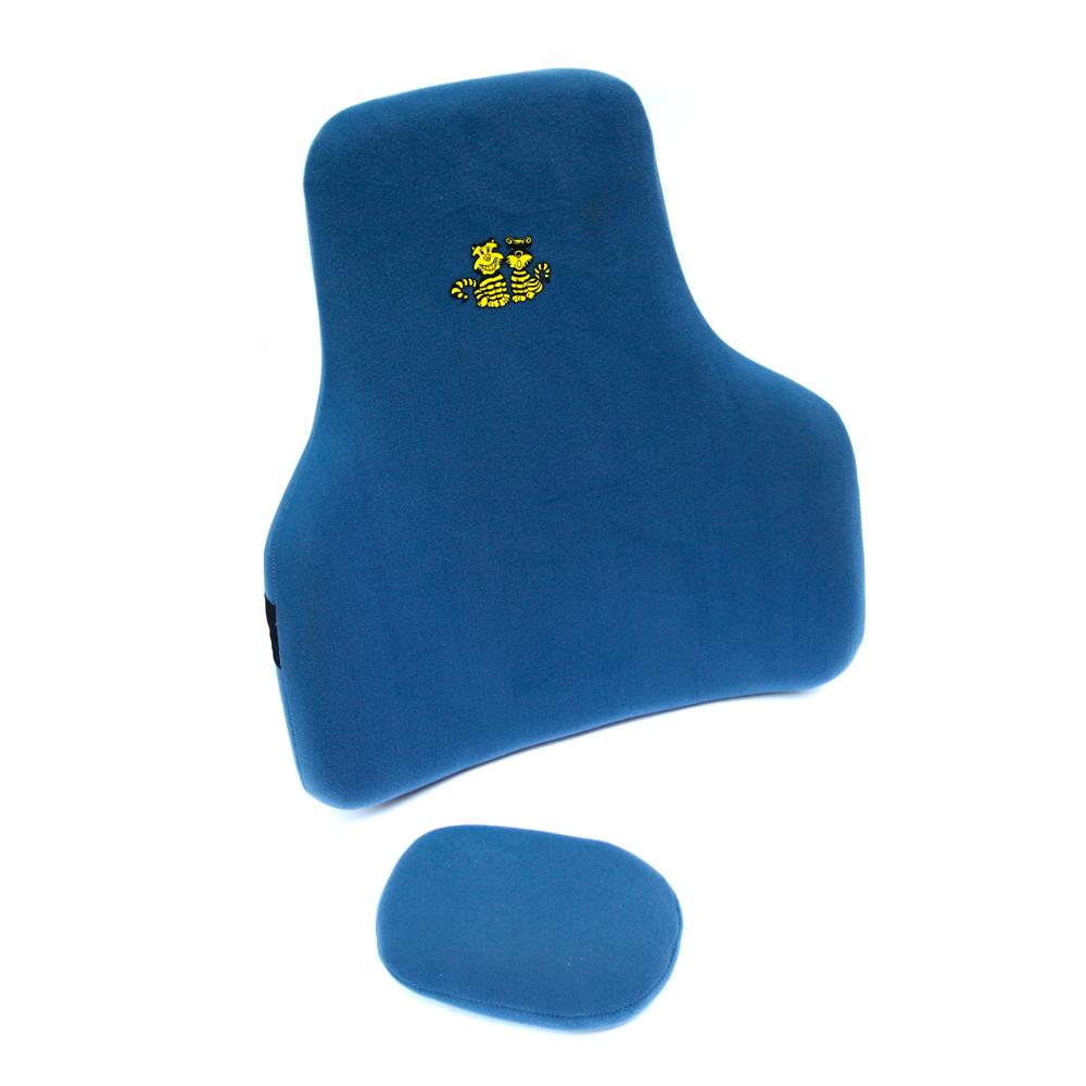 可調整護腰位置~弧形雙效椅背墊