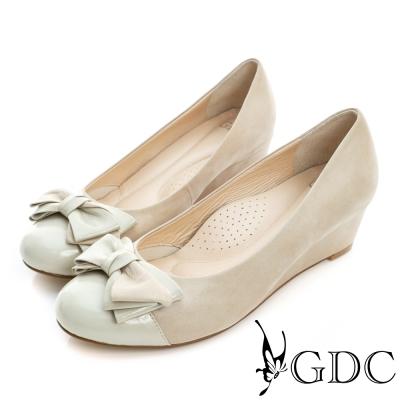 GDC-漆皮拼接蝴蝶結真皮楔型中跟鞋-可可色