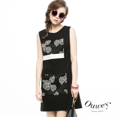 OUWEY歐薇-幾何剪接黑白緹花洋裝