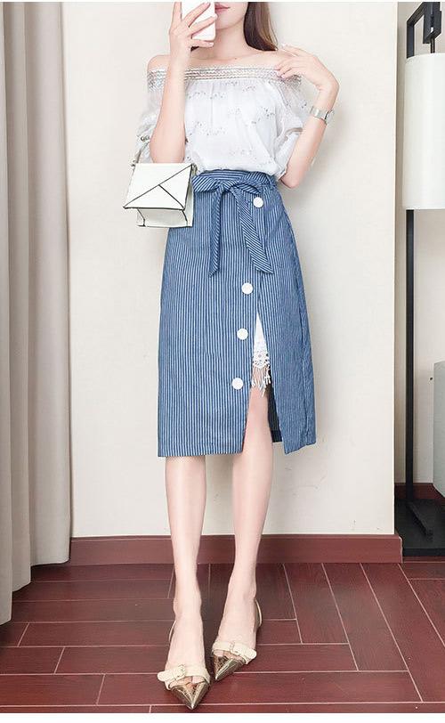 一字領花邊上衣+拼接條紋半身裙兩件套 (白色)-ROANN