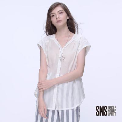 SNS 美式迷情異材質拼接V領落肩襯衫(2色)