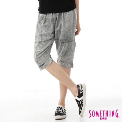 SOMETHING 五分褲 多剪接忍者褲-女-灰褐