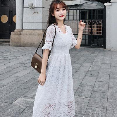 V領透膚縷空蕾絲壓摺長款洋裝 (共二色)-Kugi Girl