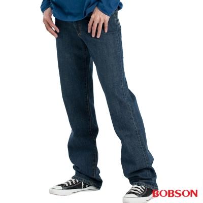 【BOBSON】男款嘻哈酷中直筒牛仔褲(中藍77)