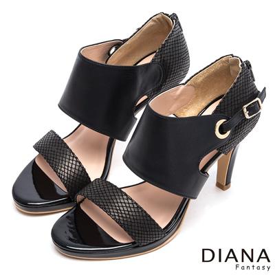 DIANA-高雅俏麗-一字格紋寬踝穿孔金飾釦真皮跟
