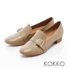 KOKKO-率性素面真皮彈力樂福跟鞋-駝