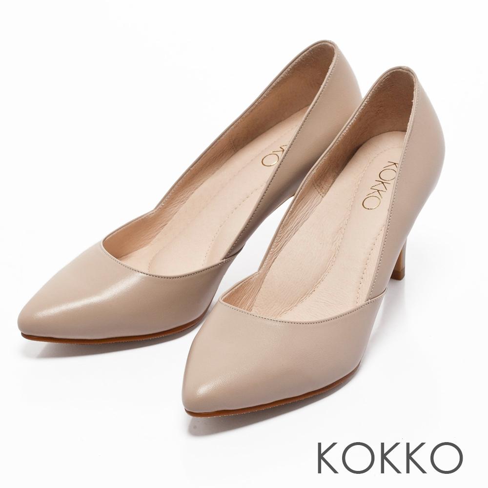 KOKKO - 簡約尖頭真皮側挖低高跟鞋-質感杏