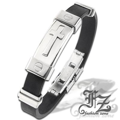 【FZ】十字浮雕個性鋼手環(風尚銀)