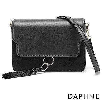 達芙妮DAPHNE-流蘇簡約方形拼接單肩斜背包-黑