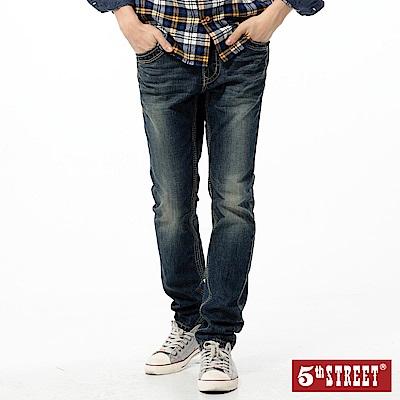 5th STREET 粗線點綴小直筒牛仔褲-男-石洗藍
