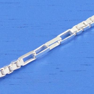 維克維娜 18吋純銀造型方鎖鍊。義大利925純銀單鍊