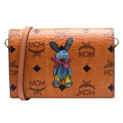 MCM 經典塗層帆布兔子造型印花斜背/手拿釦式斜背包(棕色)