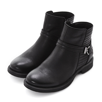 PLAYBOY 玩美革新 復古飾扣仿皮短靴-黑(女)