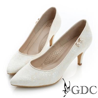 GDC幸福-側蝴蝶飾扣亮片尖頭真皮中跟鞋(婚鞋)-米杏色
