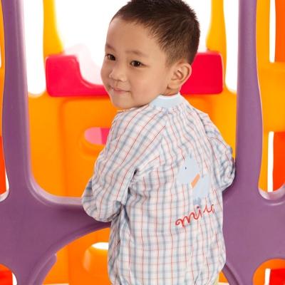 愛的世界 MYBABY 純棉V領格紋薄長袖外套/6~8歲