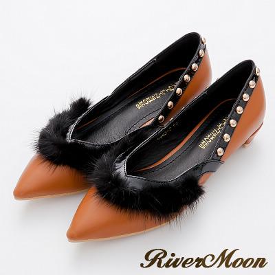 River-Moon跟鞋-歐美奢華-滾毛側V鉚釘美型尖頭低跟鞋-棕系