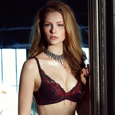 【La Felino】戀人深V泡棉款B-E罩杯內衣 (火焰紅)
