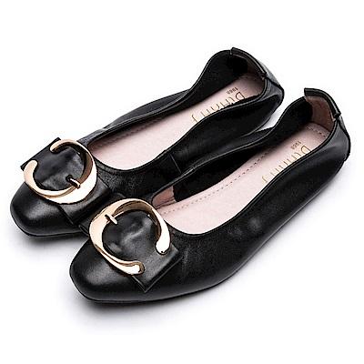 DIANA 樂活休閒--金屬C型釦方頭真皮平底鞋 -黑
