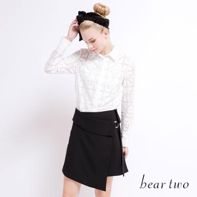 beartwo 透膚感花朵蕾絲拼接造型襯衫(二色)-動態show