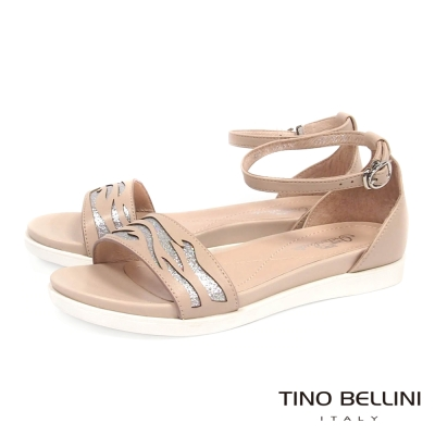 Tino Bellini 圖騰鏤空閃爍心機增高平底涼鞋_膚