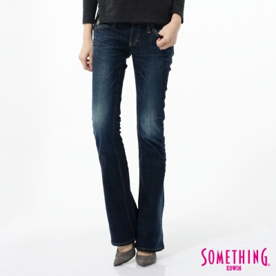 SOMETHING 靴型褲 NEO FIT低腰牛仔褲-女-原藍磨