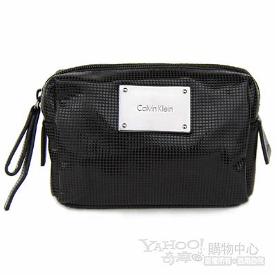 Calvin Klein黑色點點紋皮革黑銀飾牌輕巧化妝包