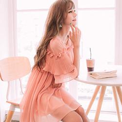 氣質純色百褶花邊小洋裝 (粉色)-Kugi Girl