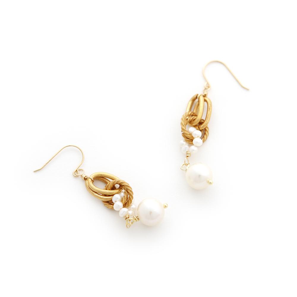 Luce Costante Foglia系列珍珠耳環(針式/耳扣式) @ Y!購物
