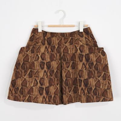 ICHE 衣哲 時尚動物紋印花造型短褲