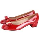 Salvatore Ferragamo VARA 漆皮蝴蝶結粗跟鞋(紅色)