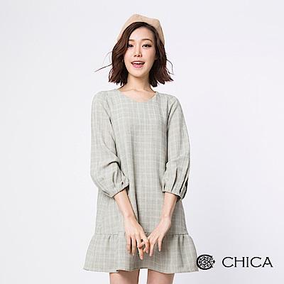 CHICA 日式清新細格紋荷葉設計洋裝(1色)