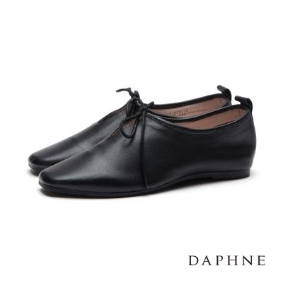 達芙妮DAPHNE-平底鞋-軟牛皮素面小方頭綁帶休
