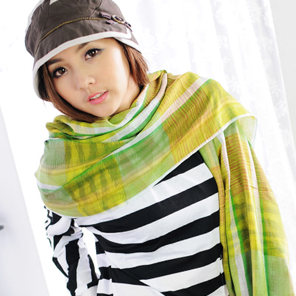 【Aimee Toff】民俗歡彩熱情美紗流蘇圍巾(綠)