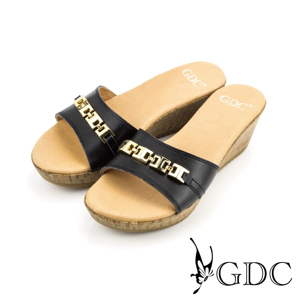 GDC-素面金屬扣環楔型厚底涼拖鞋-黑色