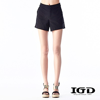 IGD英格麗  都會悠閒風經典黑色素面百搭短褲