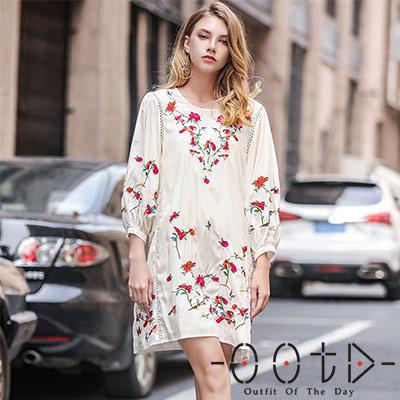 刺繡圓領燈籠袖洋裝 (共二色)-OOTD