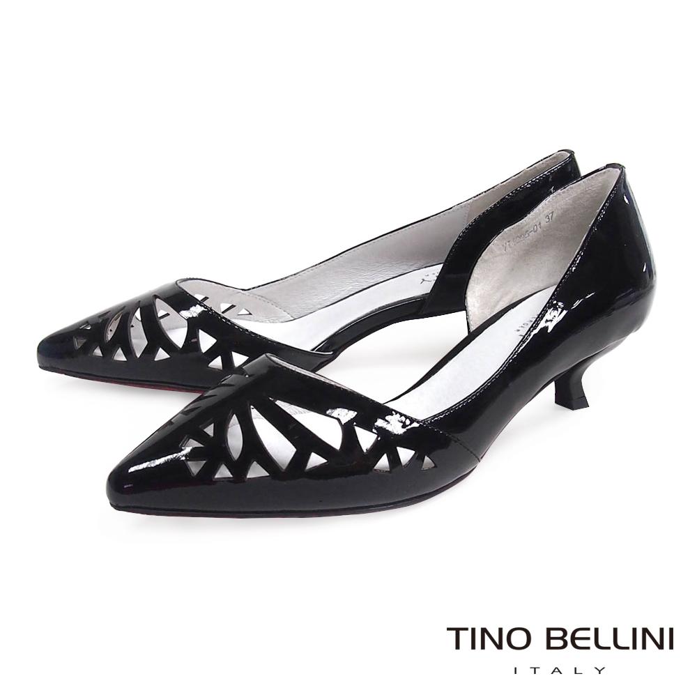 Tino Bellini 秀氣精緻鏤空內切口低跟鞋_黑