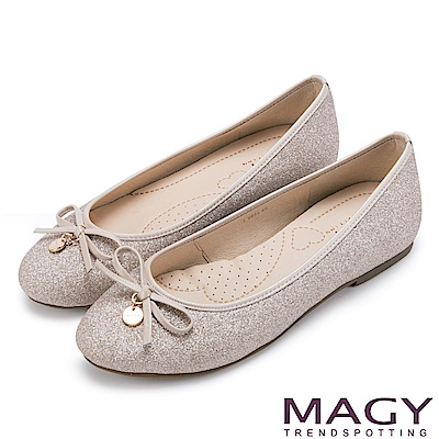 MAGY 清新甜美女孩 金蔥亮布蝴蝶結平底娃娃鞋-膚色