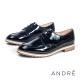 ANDRE-中性厚底牛津平底鞋-個性黑