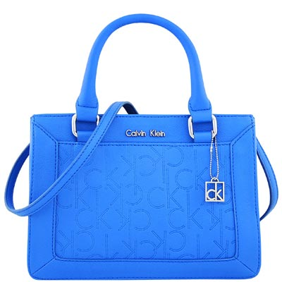 Calvin Klein 藍色LOGO皮革壓紋斜背/醫生包