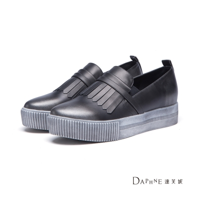 達芙妮DAPHNE 休閒鞋-仿舊金屬色流蘇懶人鞋-錫