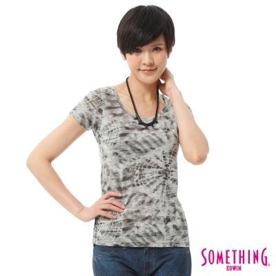 SOMETHING-仿綁染印花T恤-女-灰色