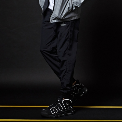 CACO-風衣布縮口長褲-男【MNC012】