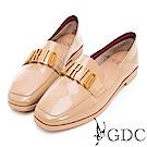 GDC-真漆皮時尚英倫風百搭平底包鞋-卡其色