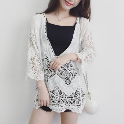 La Belleza大V領緹花蕾絲鉤花鏤空七分袖罩衫