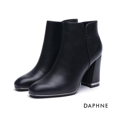 達芙妮DAPHNE 短靴-金屬飾片方頭粗高跟踝靴-黑